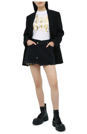 Женская хлопковая футболка VERSACE JEANS COUTURE белого цвета, арт. B2HZB7TC-ZDM613 REG 25 THICK F0IL/30319 | Фото 2