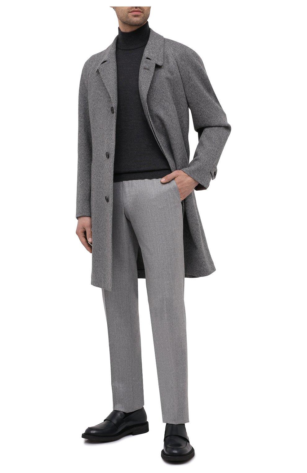 Мужские шерстяные брюки ERMENEGILDO ZEGNA светло-серого цвета, арт. 830F18/75F812   Фото 2 (Материал внешний: Шерсть; Длина (брюки, джинсы): Стандартные; Стили: Классический; Случай: Формальный; Материал подклада: Вискоза)