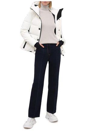 Женский пуховая куртка MONCLER белого цвета, арт. F2-098-1A512-40-53861 | Фото 2