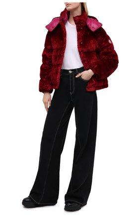 Женский пуховая куртка MONCLER красного цвета, арт. F2-093-1A571-00-54AQ1 | Фото 2