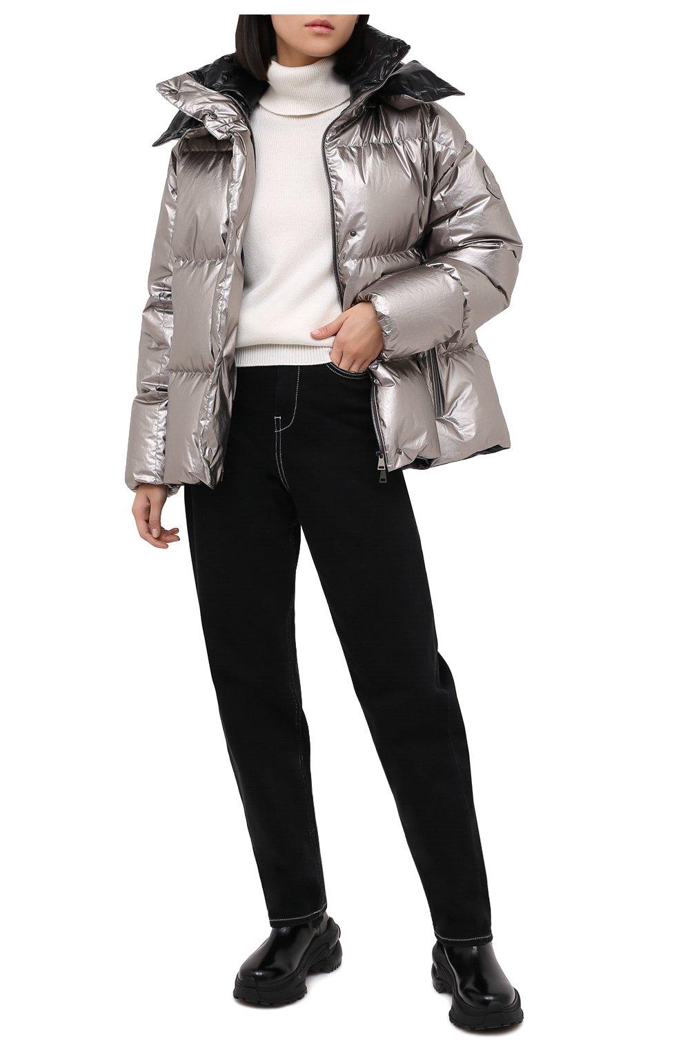 Женский пуховая куртка MONCLER серебряного цвета, арт. F2-093-1A51N-00-V0124   Фото 2