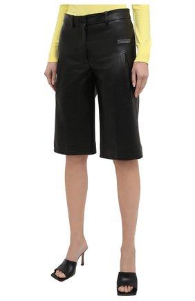 Женские кожаные шорты OFF-WHITE черного цвета, арт. 0WJF004F20LEA0011000   Фото 3 (Женское Кросс-КТ: Шорты-одежда; Стили: Гранж; Кросс-КТ: Широкие; Длина Ж (юбки, платья, шорты): До колена; Материал подклада: Вискоза)