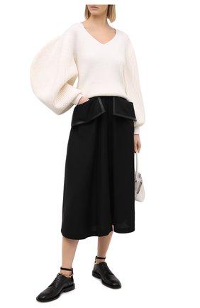 Женский шерстяной свитер LOEWE белого цвета, арт. S540Y14K18 | Фото 2