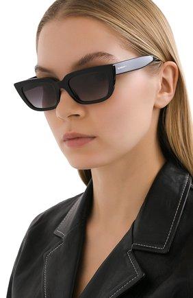 Женские солнцезащитные очки BURBERRY черного цвета, арт. 4321-38788G | Фото 2