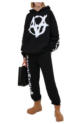Женская хлопковое худи VETEMENTS черного цвета, арт. UE51TR650B 1601/W | Фото 2