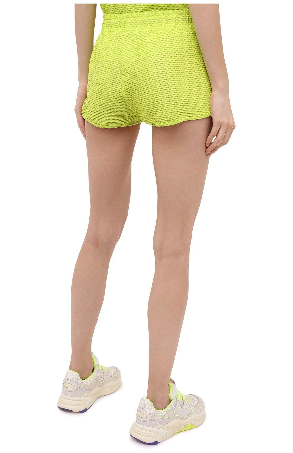 Женские шорты KORAL светло-зеленого цвета, арт. A2526K09 | Фото 4 (Длина Ж (юбки, платья, шорты): Мини; Кросс-КТ: Спорт; Материал внешний: Синтетический материал; Женское Кросс-КТ: Шорты-спорт)