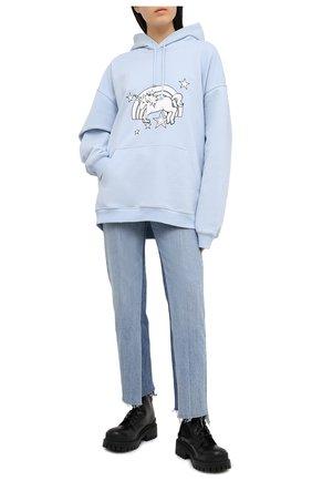 Женская хлопковое худи VETEMENTS голубого цвета, арт. UE51TR400X 1601/W | Фото 2