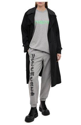Женская хлопковая футболка VETEMENTS серого цвета, арт. UE51TR600G 1600/W | Фото 2