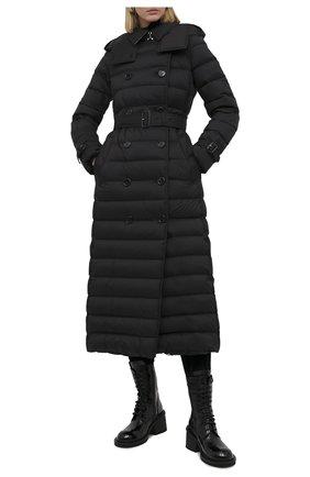 Женский пуховик BURBERRY черного цвета, арт. 8033454 | Фото 2