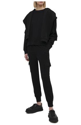 Женская свитшот MONROW черного цвета, арт. HT0890 | Фото 2