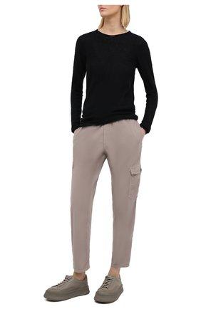 Женские хлопковые брюки JAMES PERSE светло-серого цвета, арт. WKUP1841 | Фото 2