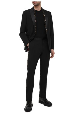 Мужской шерстяной пиджак VERSACE черного цвета, арт. A87331/A232388 | Фото 2 (Рукава: Длинные; Материал подклада: Купро; Материал внешний: Шерсть; Длина (для топов): Стандартные; Пиджаки М: Прямой; 1-2-бортные: Однобортные; Стили: Классический)