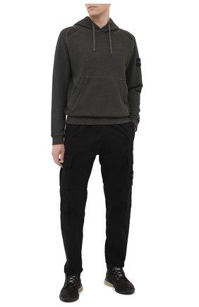 Мужской хлопковые брюки-карго STONE ISLAND черного цвета, арт. 731531710 | Фото 2