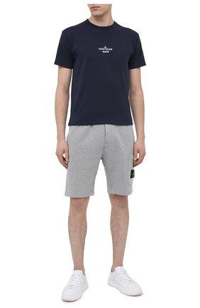 Мужские хлопковые шорты STONE ISLAND светло-серого цвета, арт. 731564620 | Фото 2