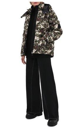 Женский пуховая куртка MONCLER хаки цвета, арт. F2-093-1A550-00-54AND | Фото 2