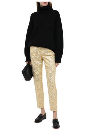 Женские брюки DOLCE & GABBANA золотого цвета, арт. FTAM2T/HJMLB | Фото 2