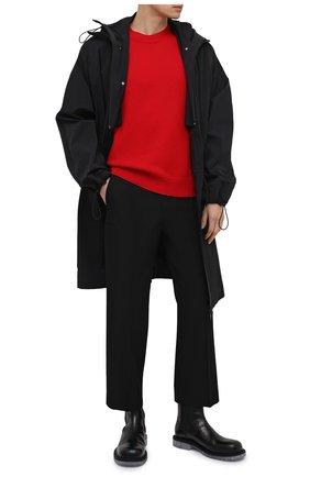 Мужской шерстяной свитер BOTTEGA VENETA красного цвета, арт. 648380/V0AM0 | Фото 2 (Мужское Кросс-КТ: Свитер-одежда; Длина (для топов): Стандартные; Рукава: Длинные; Принт: Без принта; Материал внешний: Шерсть; Стили: Минимализм)