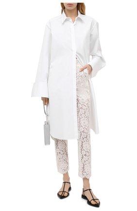 Женские брюки из хлопка и вискозы DOLCE & GABBANA белого цвета, арт. FTBP8T/HLMEA | Фото 2