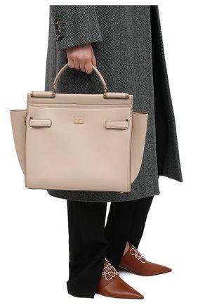 Женская сумка sicily 62 medium DOLCE & GABBANA бежевого цвета, арт. BB6891/A0041   Фото 2 (Сумки-технические: Сумки через плечо, Сумки top-handle; Материал: Натуральная кожа; Размер: medium)