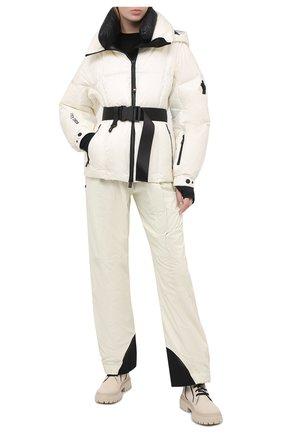 Женская пуховая куртка MONCLER GRENOBLE белого цвета, арт. F2-09G-1A501-40-53A1P | Фото 2
