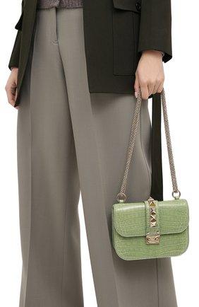 Женская сумка glam lock small из кожи крокодила VALENTINO светло-зеленого цвета, арт. KW2B0312/C0D | Фото 2