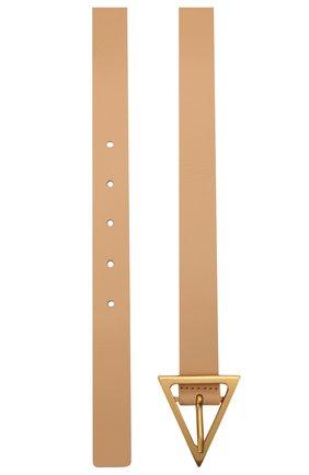 Женский кожаный ремень BOTTEGA VENETA бежевого цвета, арт. 609275/VMAU1 | Фото 2 (Материал: Кожа)