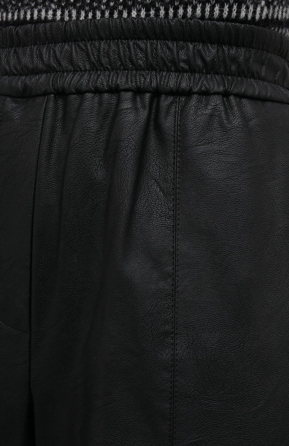 Женские шорты из экокожи NUDE черного цвета, арт. 1103028/SH0RTS | Фото 5 (Женское Кросс-КТ: Шорты-одежда; Материал внешний: Синтетический материал, Вискоза; Кросс-КТ: Широкие, экокожа; Стили: Спорт-шик; Длина Ж (юбки, платья, шорты): До колена)