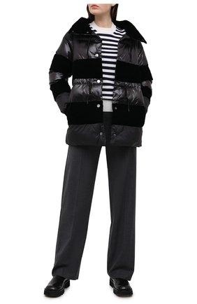 Женский пуховик EMPORIO ARMANI черного цвета, арт. 6H2B80/2NMCZ | Фото 2