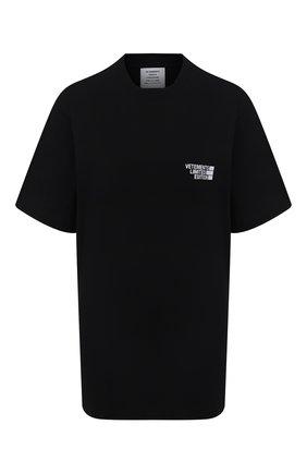 Женская хлопковая футболка VETEMENTS черного цвета, арт. UE51TR720B 1611/W | Фото 1