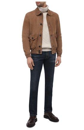 Мужской замшевый бомбер GIORGIO ARMANI коричневого цвета, арт. ASR83P/ASP84 | Фото 2 (Длина (верхняя одежда): Короткие; Принт: Без принта; Мужское Кросс-КТ: Кожа и замша; Кросс-КТ: Куртка; Стили: Кэжуэл; Рукава: Длинные; Материал подклада: Купро; Материал внешний: Замша)