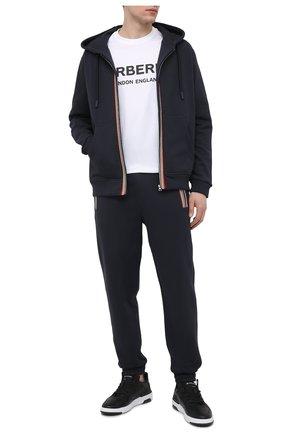 Мужские хлопковые джоггеры BURBERRY темно-синего цвета, арт. 8035882 | Фото 2 (Материал внешний: Хлопок; Стили: Спорт-шик; Силуэт М (брюки): Джоггеры; Длина (брюки, джинсы): Стандартные; Мужское Кросс-КТ: Брюки-трикотаж)