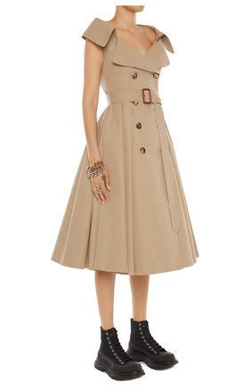 Женское платье ALEXANDER MCQUEEN бежевого цвета, арт. 645518/QFAAA | Фото 2