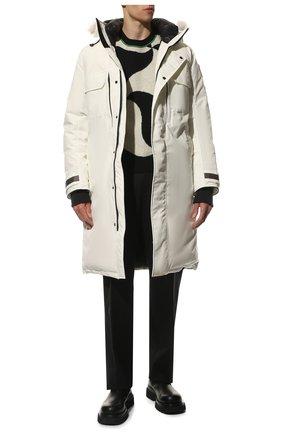 Мужская пуховая парка westmount CANADA GOOSE белого цвета, арт. 2004M | Фото 2 (Материал внешний: Синтетический материал; Рукава: Длинные; Материал подклада: Синтетический материал; Мужское Кросс-КТ: пуховик-длинный; Длина (верхняя одежда): До колена; Кросс-КТ: Куртка; Стили: Спорт-шик; Материал утеплителя: Пух и перо)
