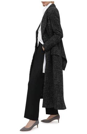 Женские замшевые туфли GIORGIO ARMANI светло-серого цвета, арт. X1E718/XC067 | Фото 2 (Материал внутренний: Натуральная кожа; Каблук высота: Низкий; Подошва: Плоская; Каблук тип: Kitten heel; Материал внешний: Замша)