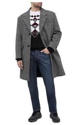 Мужские джинсы PRADA синего цвета, арт. GEPX96-1VG2-F01AE-202 | Фото 2