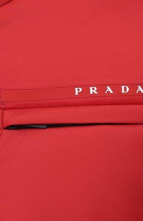 Мужская утепленная куртка PRADA красного цвета, арт. SGB660-1XYW-F0011-202 | Фото 5 (Кросс-КТ: Куртка; Мужское Кросс-КТ: пуховик-короткий; Рукава: Длинные; Материал внешний: Синтетический материал; Стили: Минимализм)