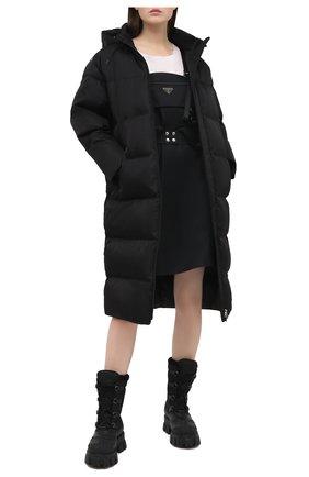 Женская пуховик PRADA черного цвета, арт. 291817-1YFL-F0002-202   Фото 2