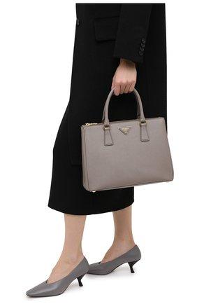 Женская сумка galleria medium PRADA серого цвета, арт. 1BA274-NZV-F0572-DOO | Фото 2