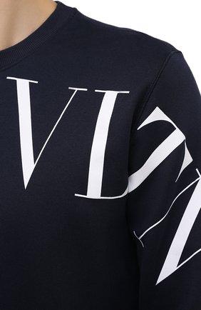 Мужской хлопковый свитшот VALENTINO темно-синего цвета, арт. VV3MF10G745 | Фото 5 (Рукава: Длинные; Длина (для топов): Стандартные; Принт: С принтом; Мужское Кросс-КТ: свитшот-одежда; Материал внешний: Хлопок; Стили: Кэжуэл)