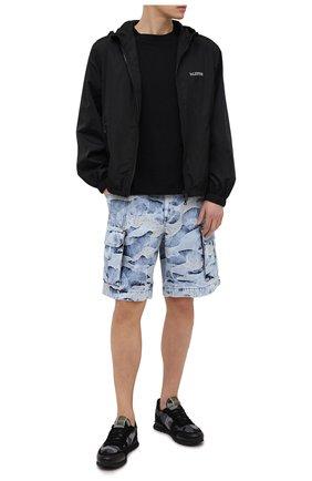 Мужские джинсовые шорты VALENTINO голубого цвета, арт. VV3DD00T723   Фото 2