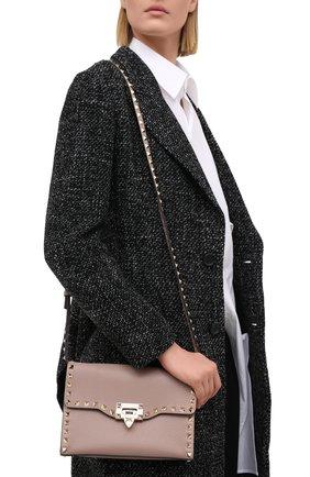 Женская сумка valentino garavani rockstud medium VALENTINO бежевого цвета, арт. VW2B0181/VSF | Фото 2