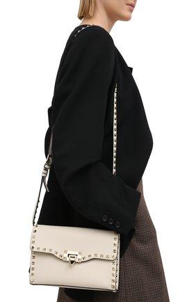 Женская сумка valentino garavani rockstud medium VALENTINO кремвого цвета, арт. VW2B0181/VSF | Фото 2