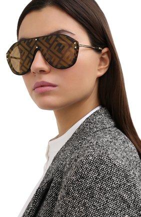Женские солнцезащитные очки FENDI коричневого цвета, арт. M0039/G XLT   Фото 2