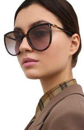Женские солнцезащитные очки FENDI коричневого цвета, арт. 0432/G 086   Фото 2