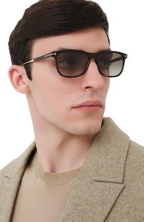 Мужские солнцезащитные очки TOM FORD коричневого цвета, арт. TF813 52G | Фото 2
