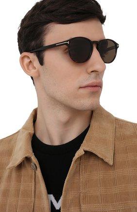 Мужские солнцезащитные очки TOM FORD коричневого цвета, арт. TF834 52M | Фото 2