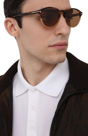 Мужские солнцезащитные очки TOM FORD коричневого цвета, арт. TF834 55E | Фото 2