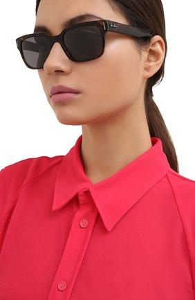 Женские солнцезащитные очки RAY-BAN черного цвета, арт. 2190-1292B1 | Фото 2