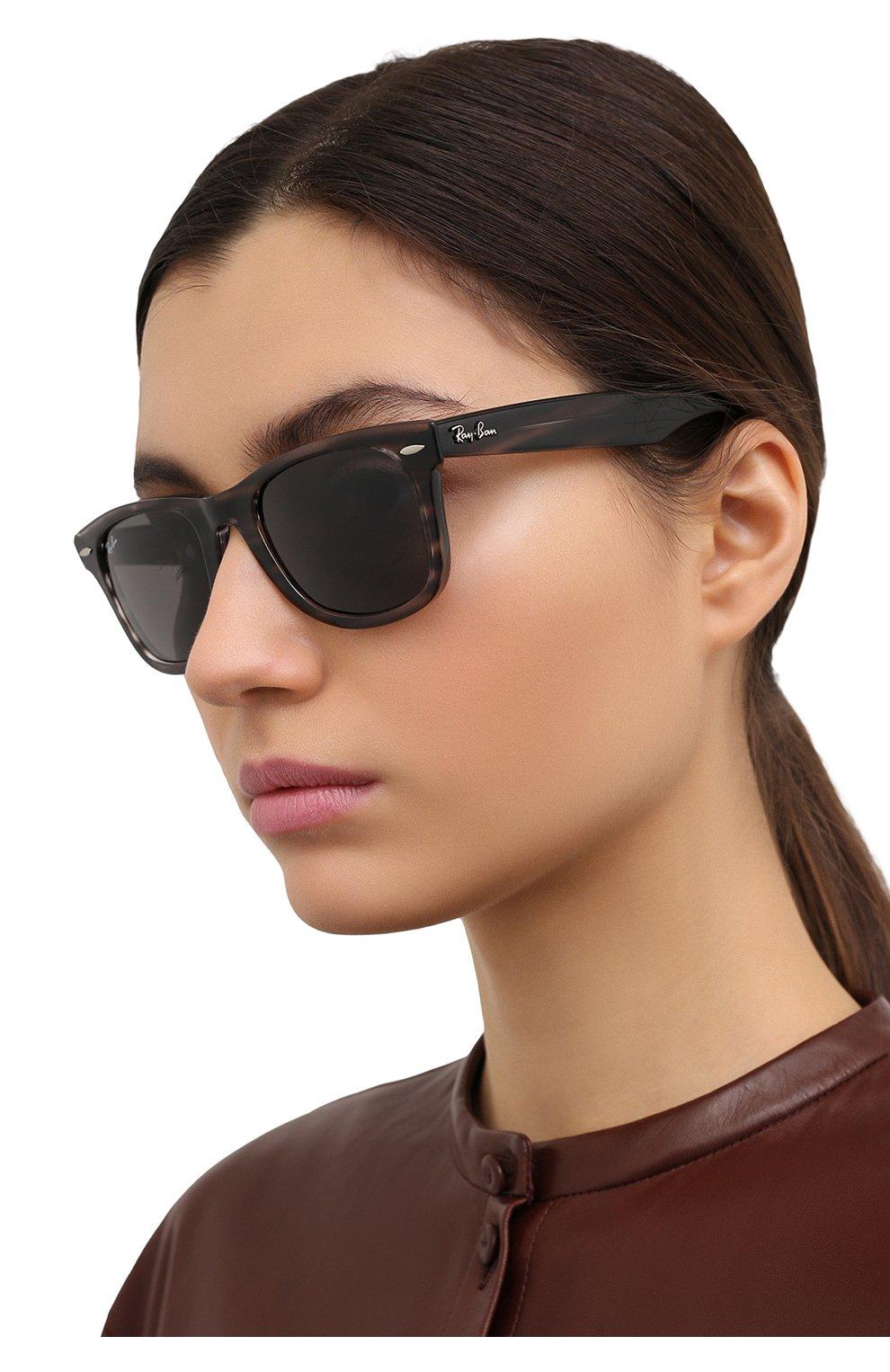 Женские солнцезащитные очки RAY-BAN темно-серого цвета, арт. 4340-6430B1 | Фото 2