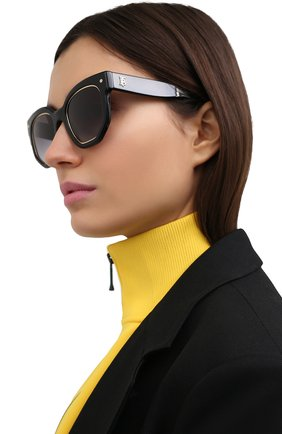 Женские солнцезащитные очки BURBERRY черного цвета, арт. 4307-30018G | Фото 2